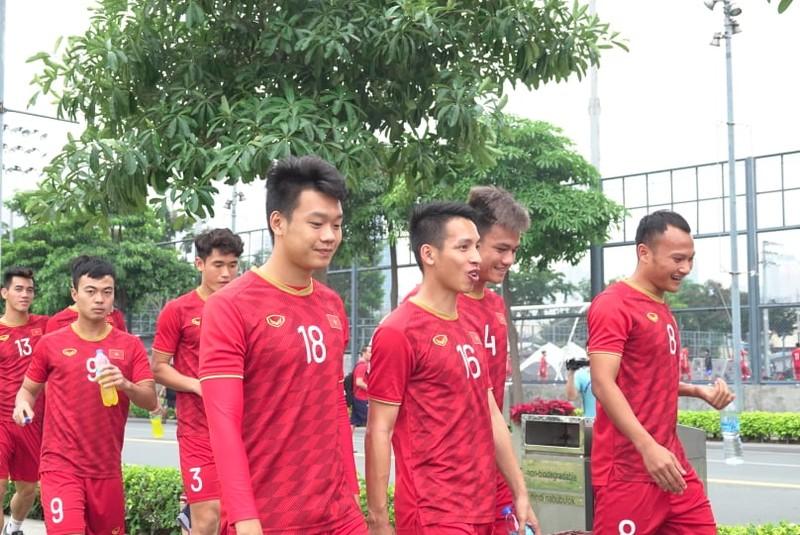Thầy trò ông Park thư thái trước trận quyết đấu Singapore - ảnh 2
