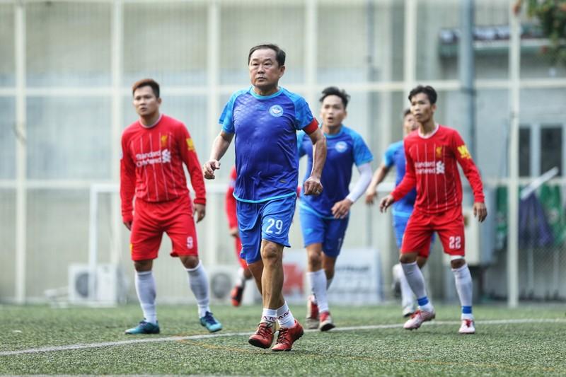 NSND Việt Anh chơi bóng từ thiện với các nhà vô địch SEA Games - ảnh 12