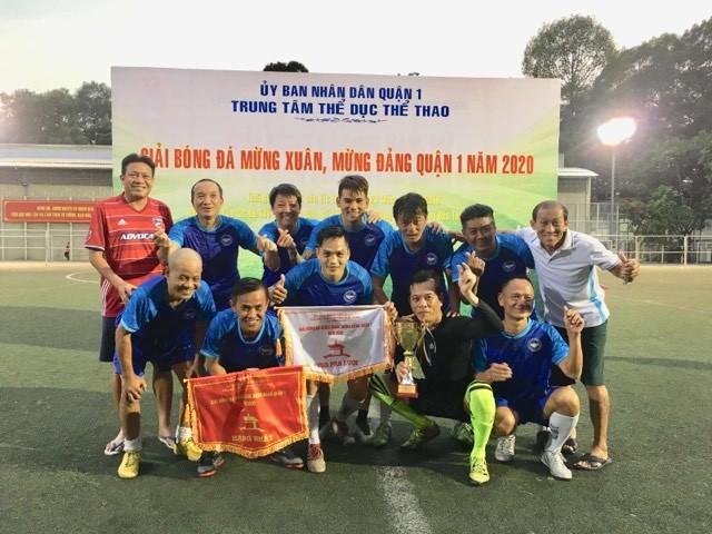 NSND Việt Anh chơi bóng từ thiện với các nhà vô địch SEA Games - ảnh 16