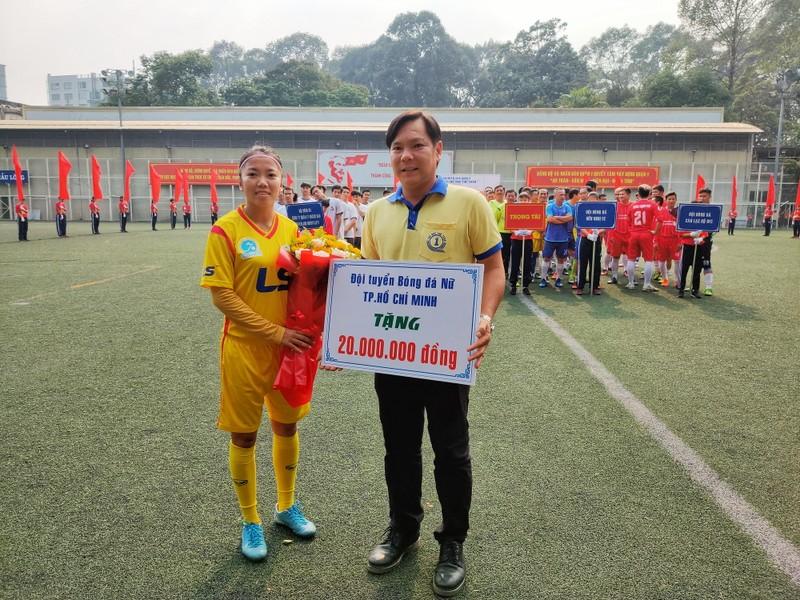 NSND Việt Anh chơi bóng từ thiện với các nhà vô địch SEA Games - ảnh 4