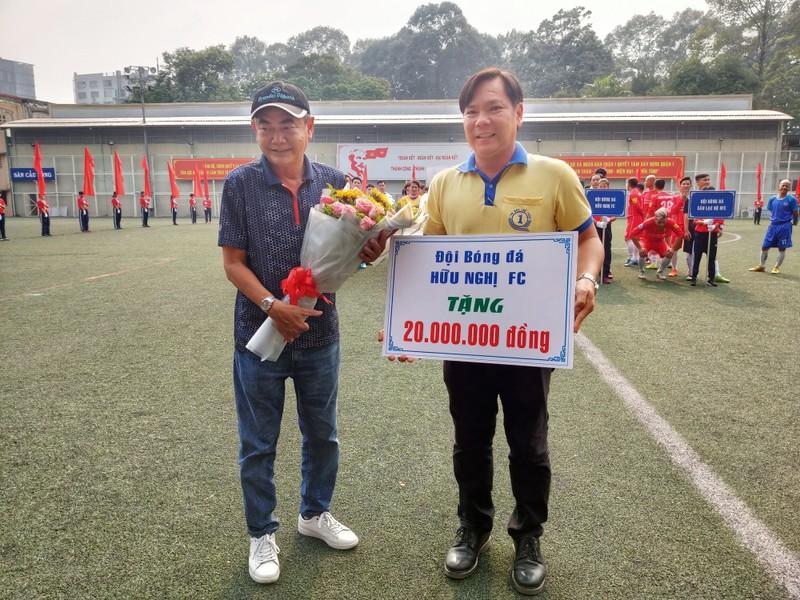 NSND Việt Anh chơi bóng từ thiện với các nhà vô địch SEA Games - ảnh 5