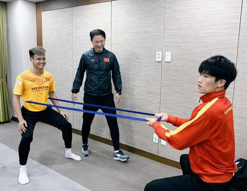 Ông Park ở lại Hàn Quốc đón Noel, tuyểnU-23 Việt Nam về TP.HCM - ảnh 2