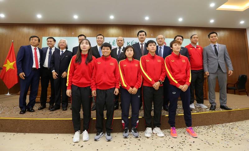 100 tỉ đồng giúp tuyển nữ Việt Nam đá cúp thế giới - ảnh 1