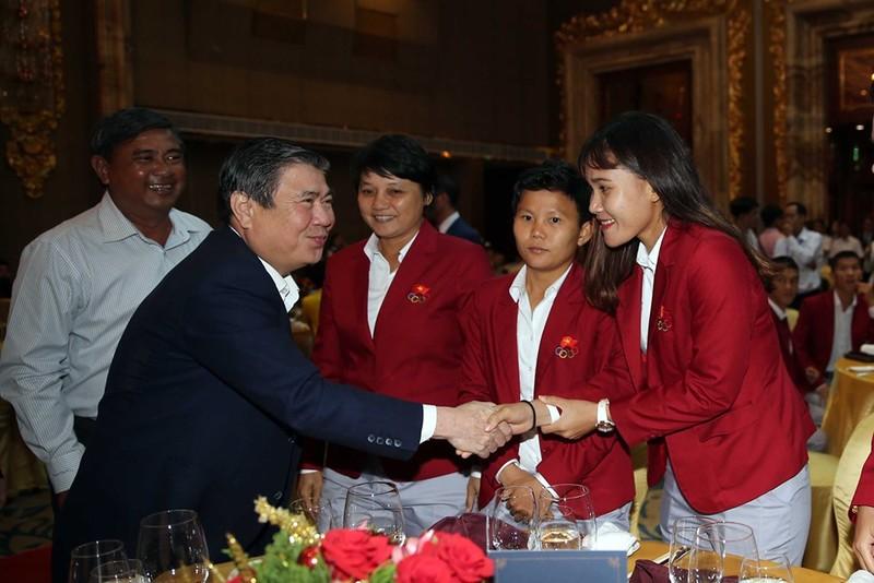 Tiền thưởng chưa đến tay, tuyển nữ VN tập trung cho Olympic - ảnh 2