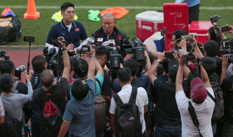 HLV Park Hang-seo: 'Sự nổi tiếng như một làn khói mong manh'  - ảnh 1