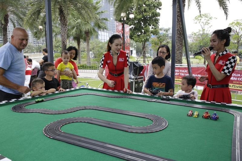 'Go Vietnam Now!' - gay cấn chặng đua F1 đầu tiên tại Việt Nam - ảnh 3