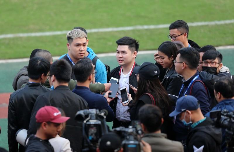 Dàn tuyển thủ Việt Nam giao đấu trên sân Hàng Đẫy - ảnh 17