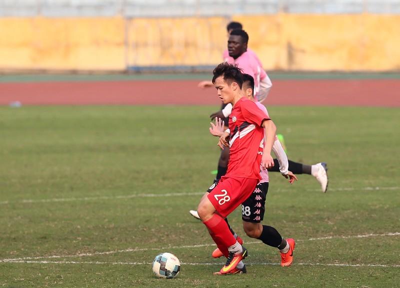 Dàn tuyển thủ Việt Nam giao đấu trên sân Hàng Đẫy - ảnh 13