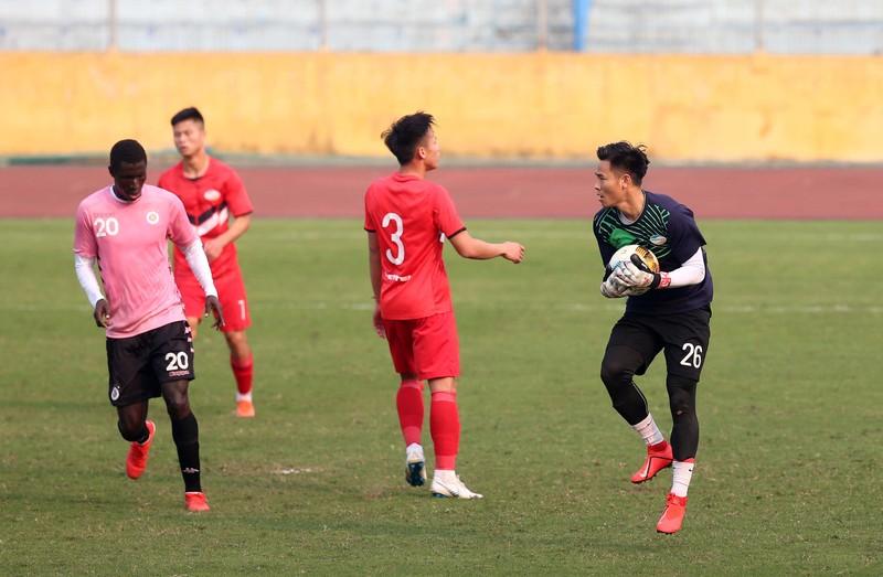 Dàn tuyển thủ Việt Nam giao đấu trên sân Hàng Đẫy - ảnh 8