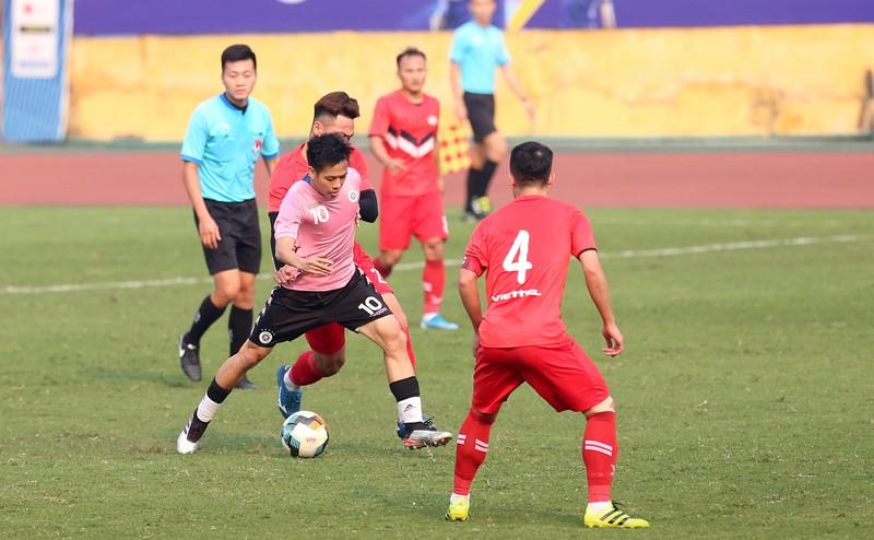 Dàn tuyển thủ Việt Nam giao đấu trên sân Hàng Đẫy - ảnh 3