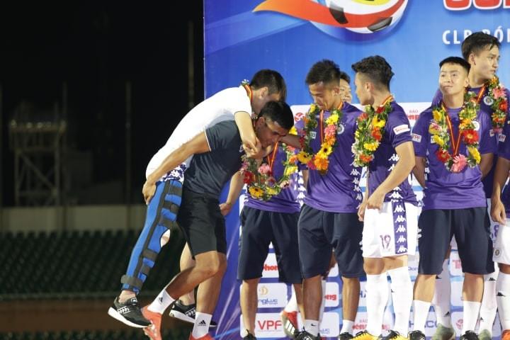 Nóng: Thầy Park mất thêm trung vệ Duy Mạnh ở trận gặp Malaysia - ảnh 3