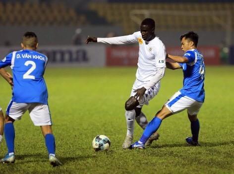 Thầy Park chứng kiến Quang Hải và đồng đội thua nặng - ảnh 7