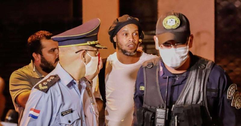 Cuộc sống của Ronaldinho trong khách sạn tạm giam  - ảnh 2