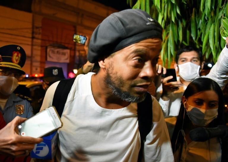 Chưa thể kết án Ronaldinho sau 70 ngày bị giam giữ ở Paraguay - ảnh 1