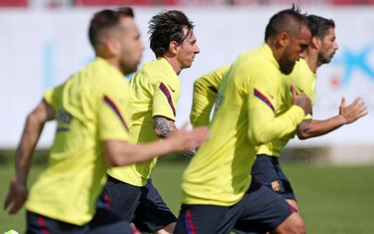 Messi với cảm giác lạ trên sân bóng - ảnh 1