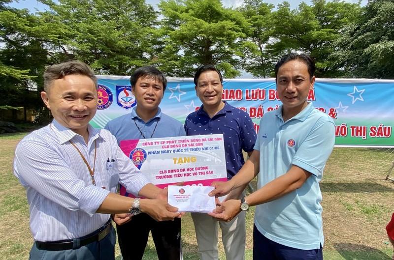 CLB Sài Gòn thưởng nóng cầu thủ nhí ngày Quốc tế Thiếu nhi - ảnh 2