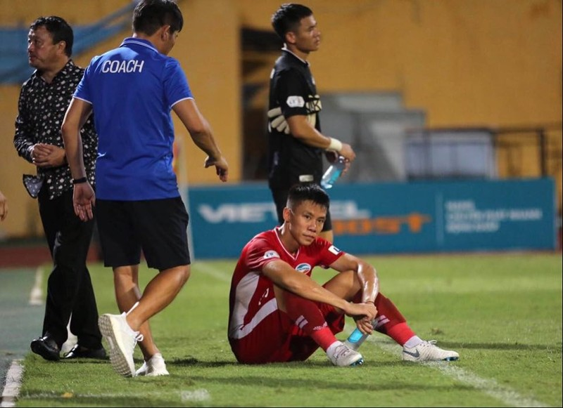 Viettel lại thua, thầy Park đau đầu với Quế Ngọc Hải - ảnh 8