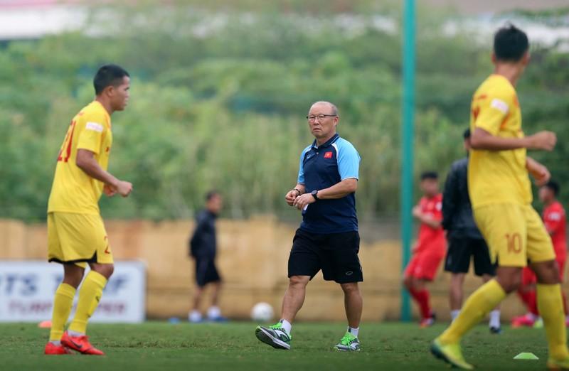 Thầy Park lo lắng, U-22 Việt Nam tập huấn tại Pháp - ảnh 2