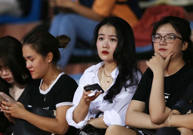Hà Nội không tiếc tiền, nhưng Văn Hậu không thể ở lại Hà Lan  - ảnh 2