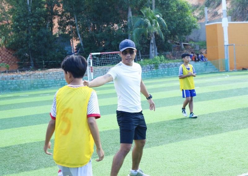 Vui khỏe với lớp bóng đá Lê Thanh Phong - ảnh 5