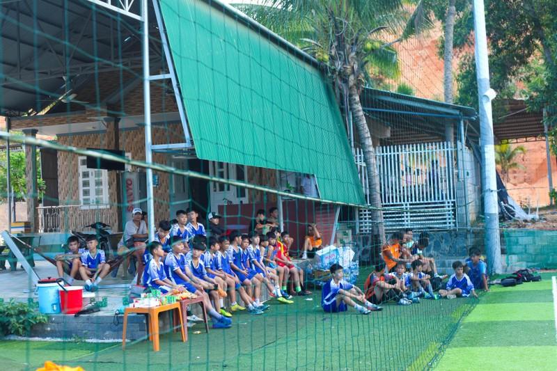 Vui khỏe với lớp bóng đá Lê Thanh Phong - ảnh 10