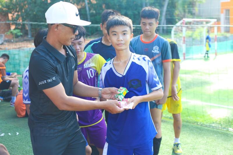 Vui khỏe với lớp bóng đá Lê Thanh Phong - ảnh 13