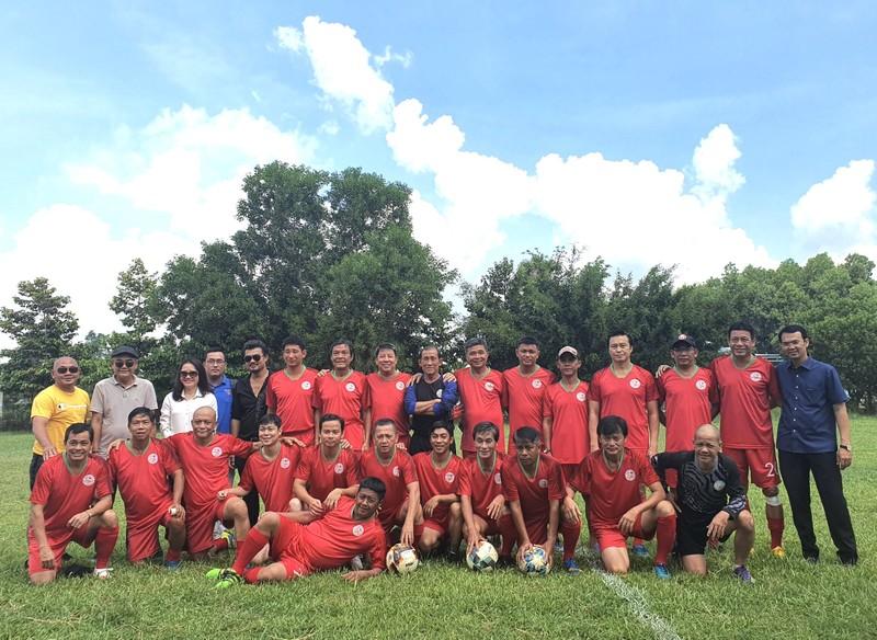 NSND Việt Anh và Hữu Nghị FC vui thiện nguyện ở Tây Ninh - ảnh 13