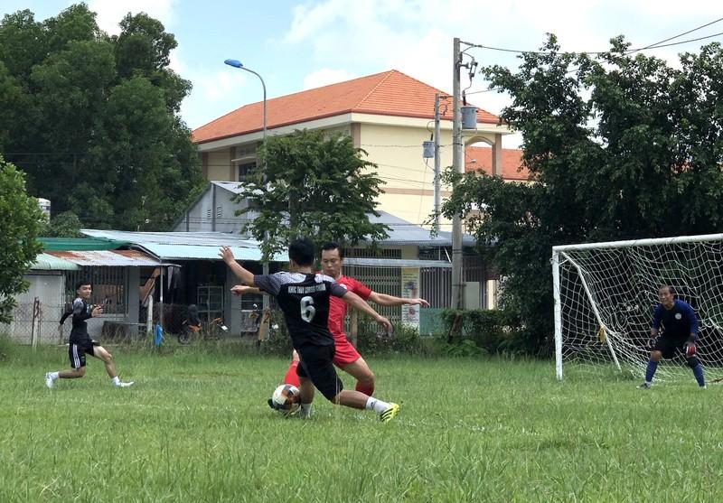 NSND Việt Anh và Hữu Nghị FC vui thiện nguyện ở Tây Ninh - ảnh 16