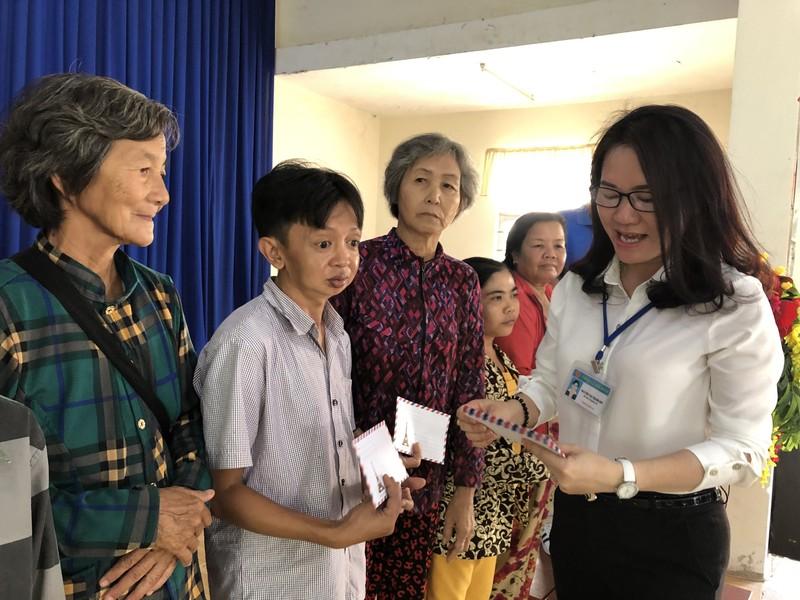 NSND Việt Anh và Hữu Nghị FC vui thiện nguyện ở Tây Ninh - ảnh 5