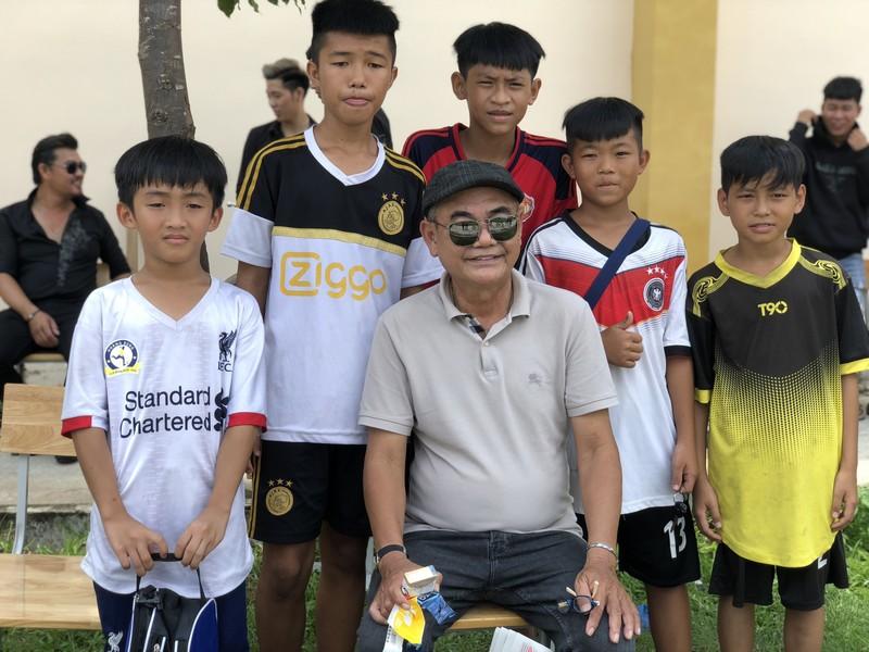 NSND Việt Anh và Hữu Nghị FC vui thiện nguyện ở Tây Ninh - ảnh 22