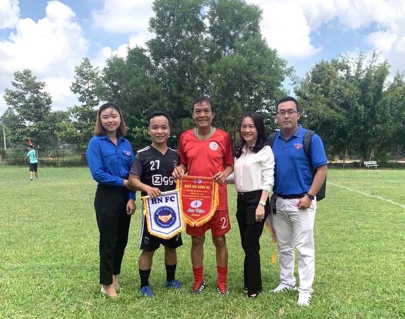 NSND Việt Anh và Hữu Nghị FC vui thiện nguyện ở Tây Ninh - ảnh 14