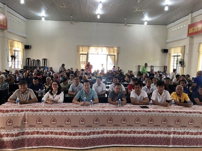 NSND Việt Anh và Hữu Nghị FC vui thiện nguyện ở Tây Ninh - ảnh 2