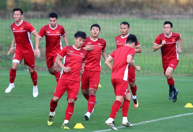 Hoãn AFF Cup 2020, thuận lợi hơn cho V-League và hạng nhất - ảnh 1