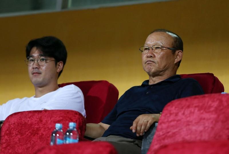 Ông Park vừa tập trung đội tuyển, FIFA tạm dừng World Cup 2022 - ảnh 2