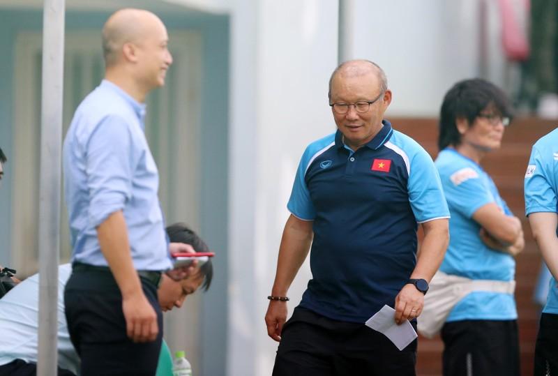 Cầu thủ hạng nhất, hạng nhì ồ ạt lên tuyển U-22 Việt Nam - ảnh 1