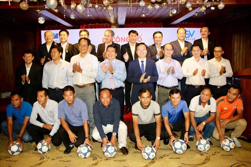 Các ông bầu tái khởi động đấu trường SV-League 2020  - ảnh 1