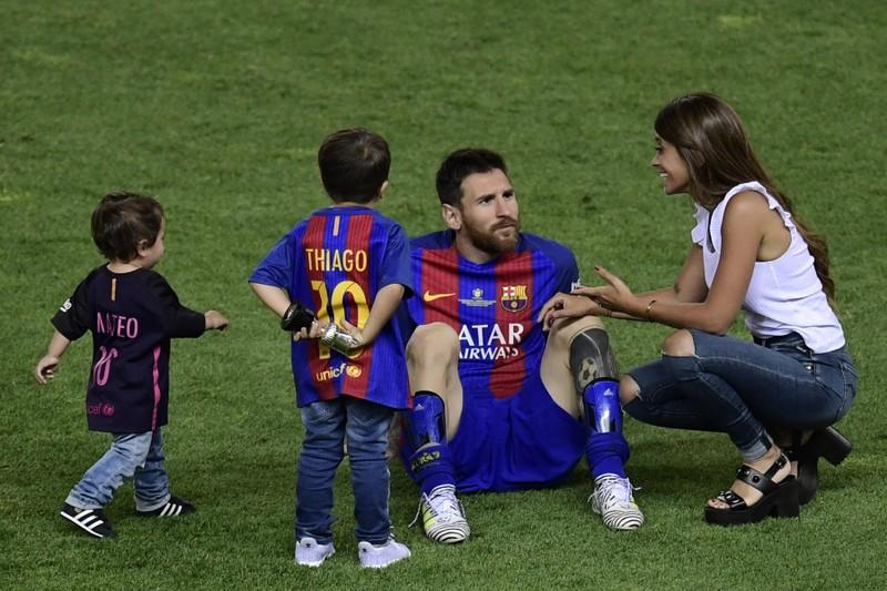 Sốc: Sự thật đau lòng khiến Messi không thể rời Barcelona - ảnh 5