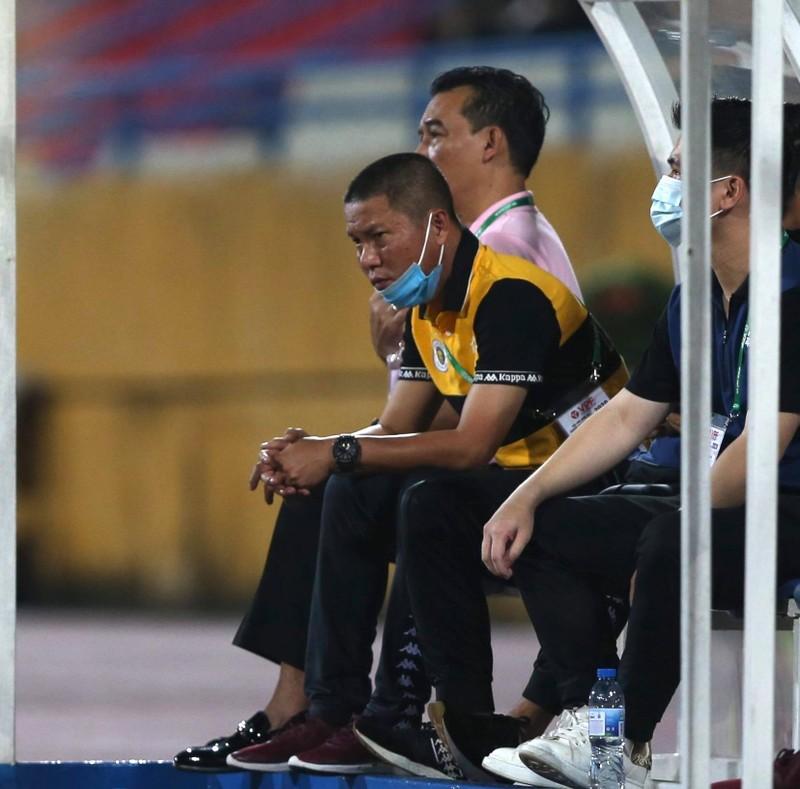 Quang Hải ghi hai bàn, vùi dập Cần Thơ khi thầy Park dự khán - ảnh 5
