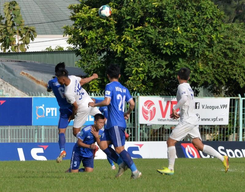 Bà Rịa Vũng Tàu vô địch lượt đi, đau cho bóng đá Huế - ảnh 1