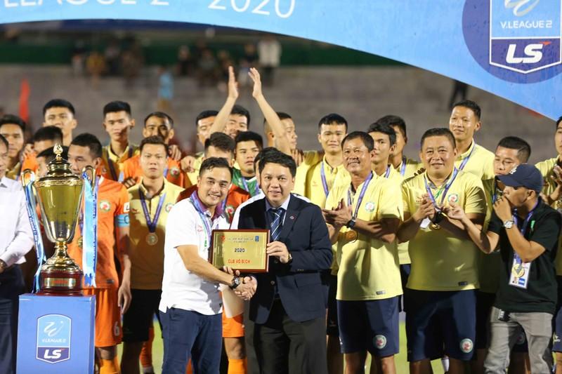Sau 12 năm nhọc nhằn, Bình Định đã thăng hạng  - ảnh 18