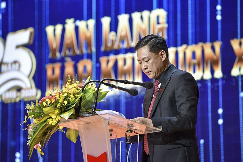 PVF chuyển giao, Tập đoàn giáo dục Văn Lang tặng 100 tỉ đồng - ảnh 2