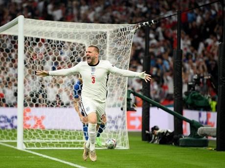 Bị gãy chân, Luke Shaw vẫn hồi sinh nhờ thầy Mourinho 'chửi' | Thể thao | PLO