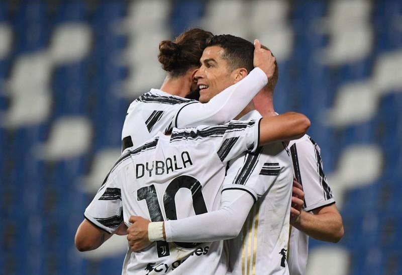 HLV Allegri cảnh báo Ronaldo sẽ phải ngồi ghế dự bị - ảnh 2