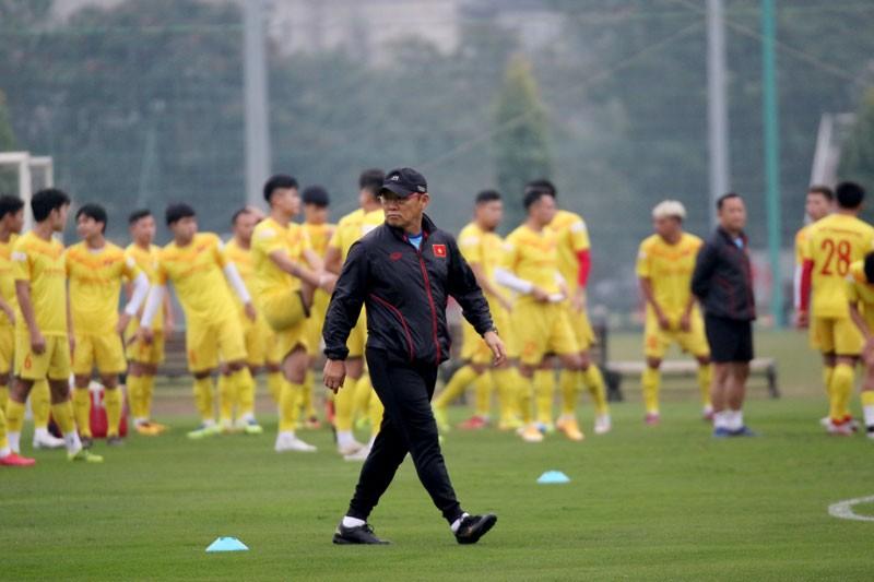 Thầy Park giao trợ lý nắm đội, quân HA Gia Lai thất sủng - ảnh 1