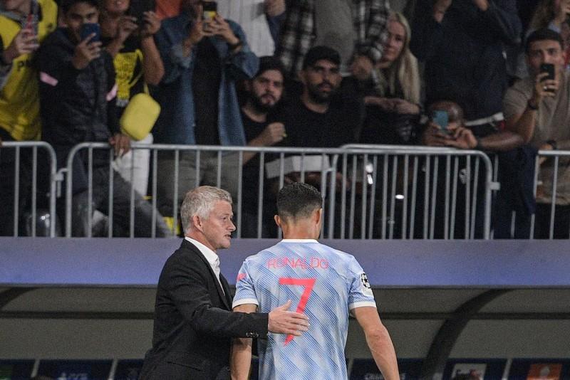 Ronaldo ngăn cản HLV Conte ngồi ghế nóng MU  - ảnh 3