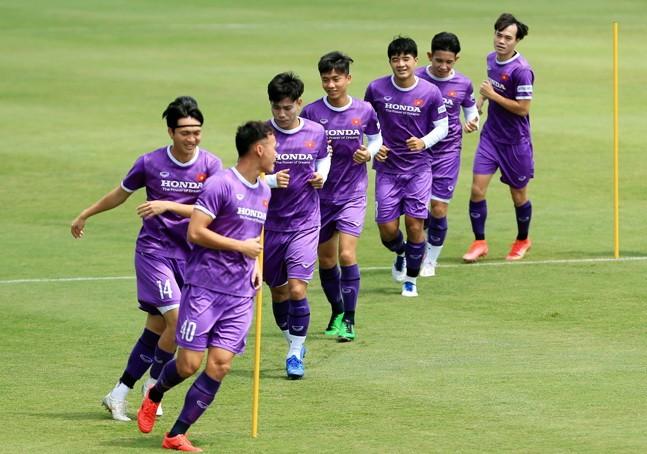 Đội tuyển Việt Nam đá với Trung Quốc kiểu gì? - ảnh 2