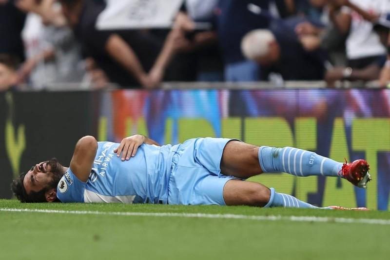 Pep Guardiola đau đầu với cuộc khủng hoảng chấn thương của Man City - ảnh 3
