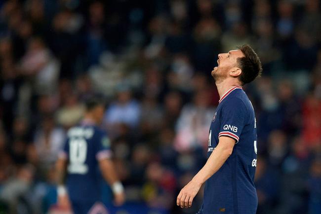 PSG rối: Messi nổi giận, Neymar giành đá phạt đền, Mbappe bị la ó - ảnh 4