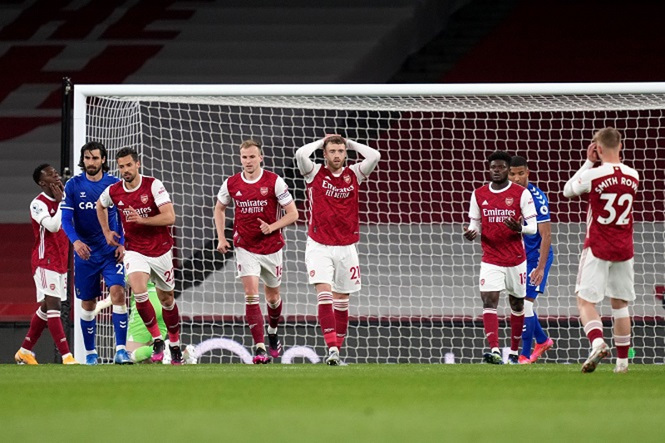 Arsenal tệ hại, Wenger rục rịch trở lại ghế nóng - ảnh 3