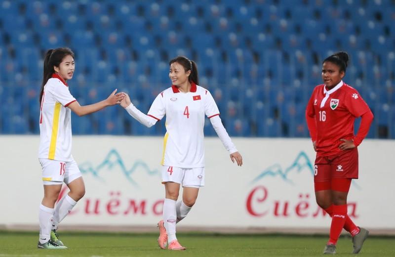Hải Yến ghi 6 bàn trong trận Việt Nam đè bẹp Maldives 16-0 - ảnh 1
